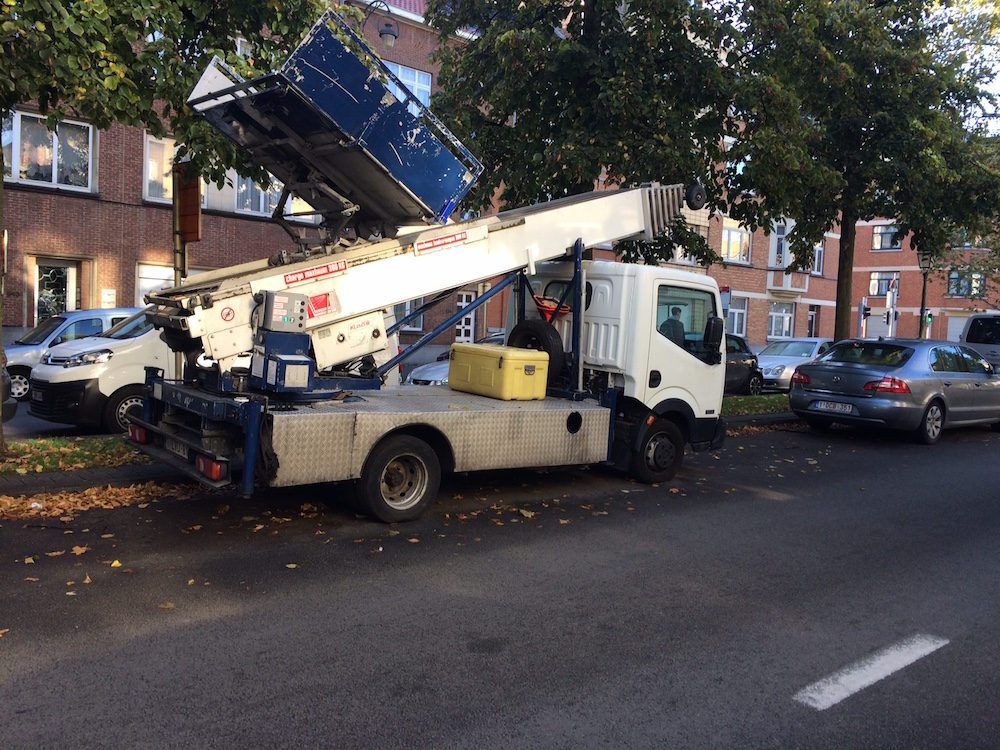 ladderlift_huren_brussel_schaerbeek_location_lift_pas-cher_laeken-elesen-liftservice